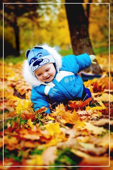 Картинки ребенок гуляет осенью