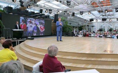 Пожилые одесситы встретились с Сергеем Киваловым накануне Дня пожилого человека