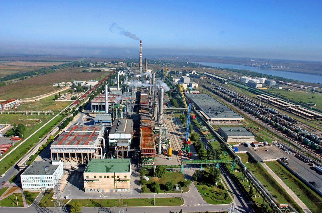 Гройсман: Кабмин утвердит предложенную ФГИ стартовую цену Одесского припортового завода