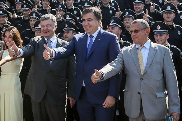 Захарова ответила Порошенко наобвинения в«гибридном присвоении истории»